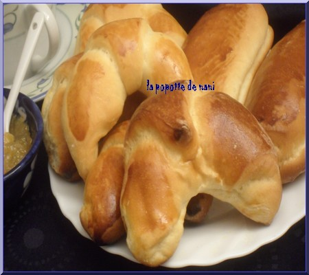 croissantspainschocoassiette.jpg